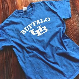 v t g   blue U of BUFFALO college T-shirt
